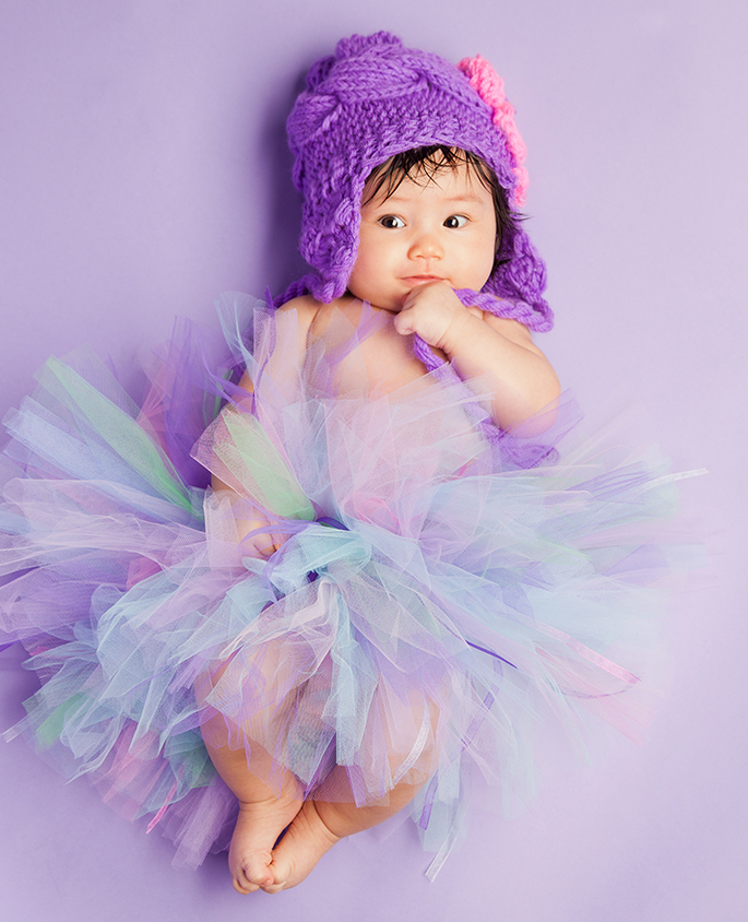 1 month baby with tutu on her studio session